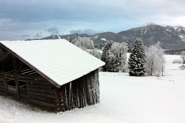 Die Landschaft rund um Schloss Höch in Reitdorf ist einfach ein Traum #winterwandern #naturgeniessen