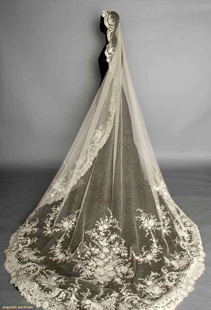 Hang Out On Clouds Wedding Veils Lace Cathedral Bridal Veils Ivory Wedding Veils