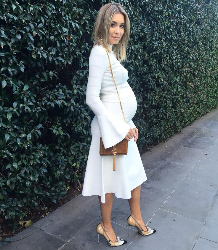 Rozalia Russian.. Keepsake the Label two piece, YSL purse, and heels c/o Miss Louise Boutique.. #stylethebump #chicbump