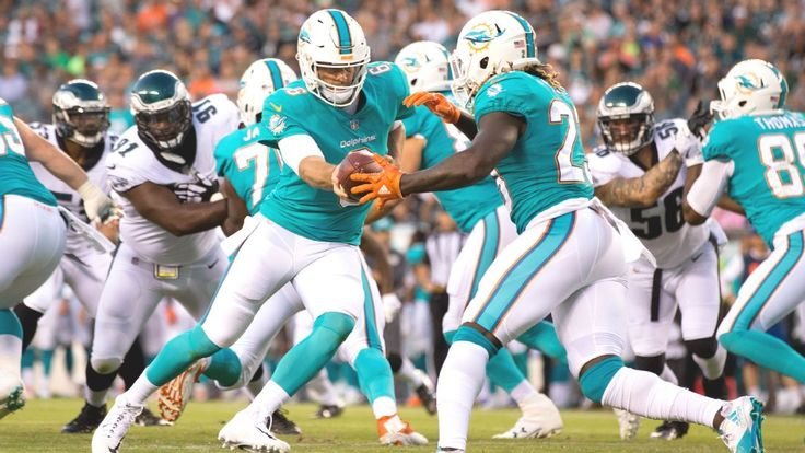 Dolphins' Jay Cutler 4-1 vs. Buccaneers, with lopsided loss last season