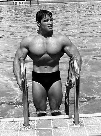70-s-Bodybuilding-Schwarzy-pose-piscine.jpg (406×550 ...