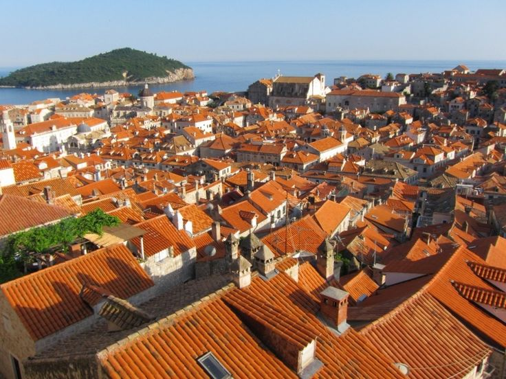 http://croatianlife.blogspot.jp/2012/08/dubrovnik-from-city-walls.html