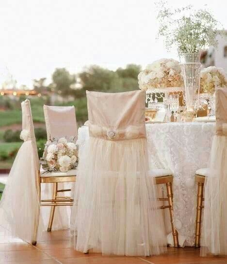 les 31 meilleures images du tableau d co chaises mariage sur pinterest chaises d cor es deco. Black Bedroom Furniture Sets. Home Design Ideas
