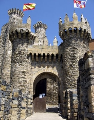 """CASTLES OF SPAIN - Castle of Ponferrada or """"Templars Castle"""" in the province of León. The Templars began to build the castle of Ponferrada in 1178. The warrior monks rebuilt a small Roman fortress that had been destroyed by the Goths. Later they covered the original rampart with lime and pebbles. By 1282 the small fort served as a protection for pilgrims on their way to Santiago of Compostela (St. James's Way)."""