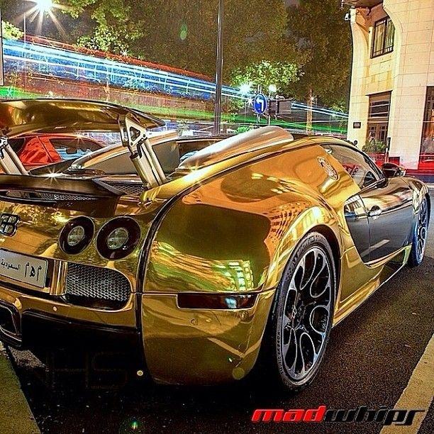 Bugatti Veyron Green: Famous Gold Chrome & Green Bugatti Veyron