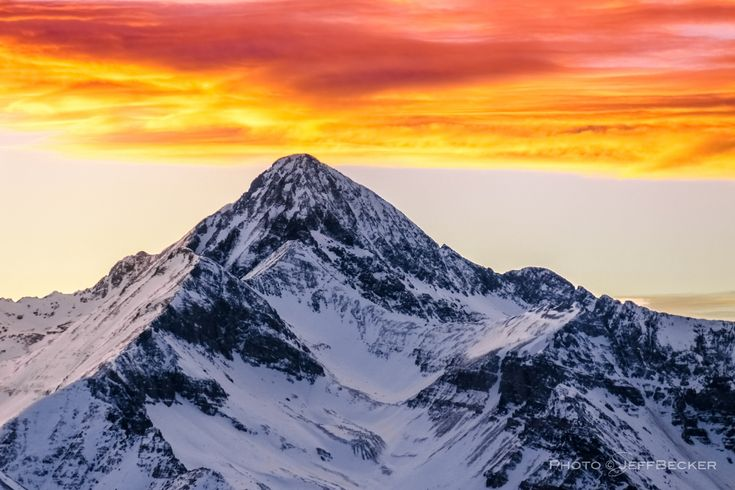 Sunrise at 14000ft. Wilson Peak in the Colorado Rocky Mountains on the First Day of Winter 2012. [OC] [4253 2835] #reddit