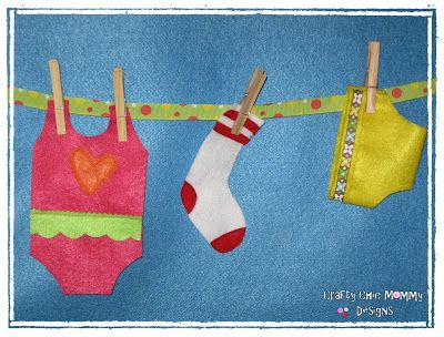 Crafty Chic Mommy: FELT PLAY HOUSE