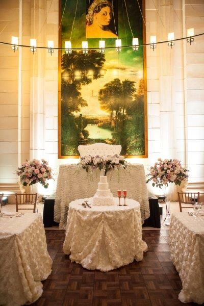Head Table - Sweet and Elegant decor, very romantic http://www.fusion-events.ca/