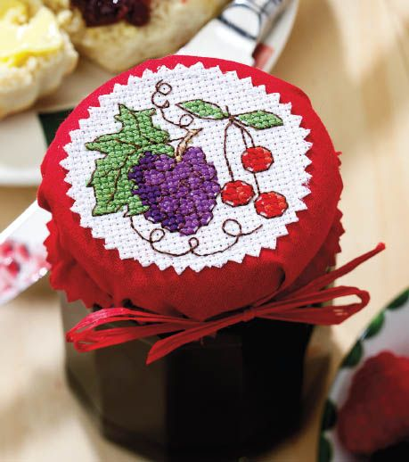 Jam jar cover grapes and berries preview. Key and chart pinned separately.