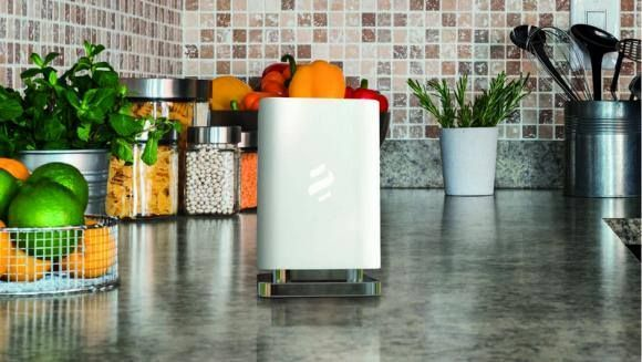 The experience of Elica has now conceived Marie, the smart fragrance diffuser, an innovative design article that neutralizes smells in the kitchen and naturally perfumes the air in the home.
