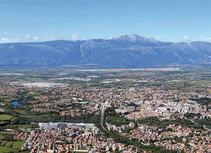 Pordenone: la principale città del Friuli occidentale o Destra Tagliamento.