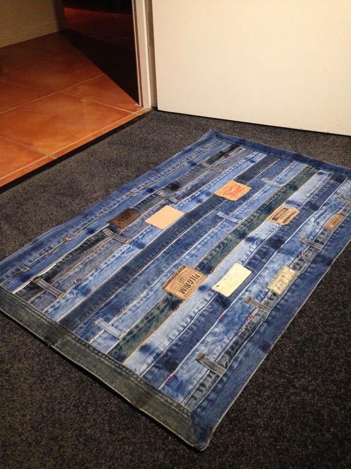 17 Jeans Waistbands Made Into A Floor Rug Blue Jean Quilts Denim Crafts Denim Quilt