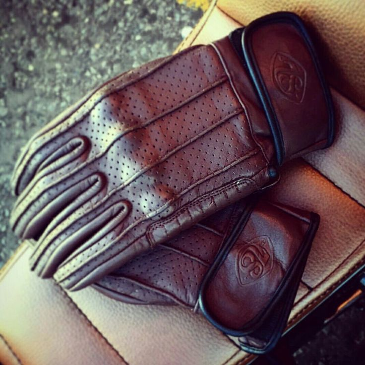 Speed gloves by 78 in Chocolate Hide.