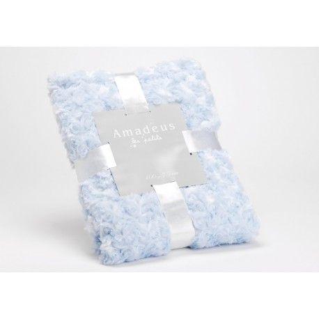 - Plaid Petite-Rose  - Coloris : bleu layette  - 100% polyester  - Dim : 100X75  - Marque Amadeus Les Petits