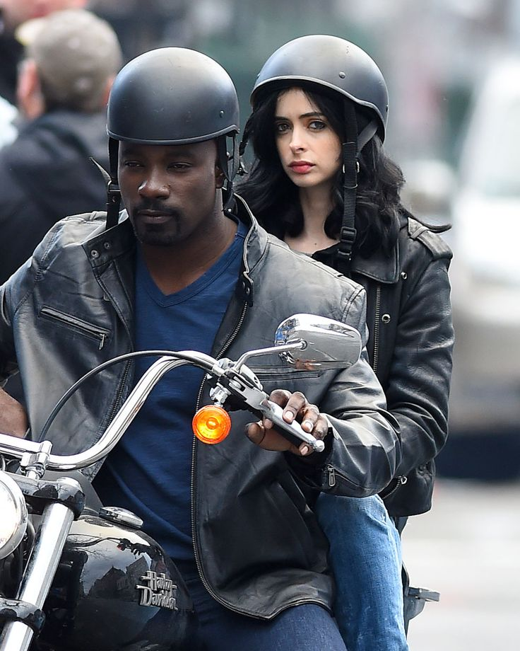Marvel's Jessica Jones Brings Adult Depths & Drama Without Living Off The Avengers