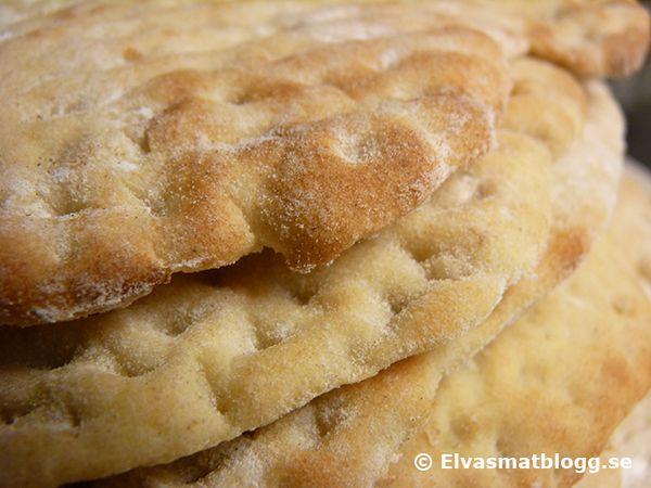 Tunnbröd - recept på mjukt tunnbröd med kornmjöl.