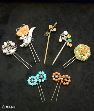 Korean hair accessories