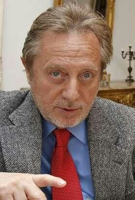 Manuel Galiana Martínez (Madrid, 9 de marzo de 1941), también conocido como Manolo Galiana