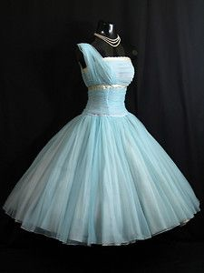 What little girls dream of when thinking about going to the prom. Wish they would keep those dreams when the time comes.