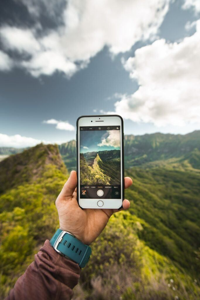 4 Ways To Get Paid To Take Photos And Make Good Money Doing It Stock Photo Sites Mobile Photography Paint Photography