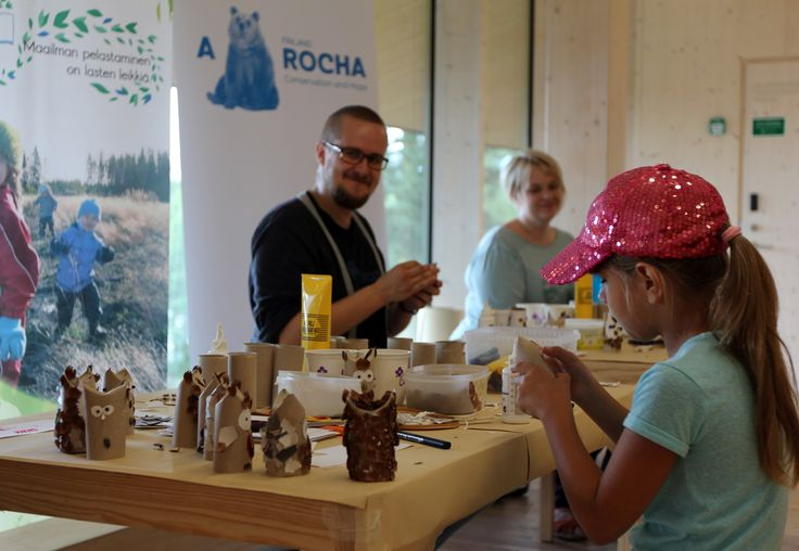 A Rocha educating and entertaining the children for a sustainable way of life. THe Day of Finnish Nature 2015. Photo: Metsähallitus / Antti Saario