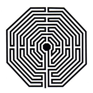 LABIRINTO AMIENS: Os labirintos possuem usos diversos em radiestesia, podem ser utilizados para energizar água por exemplo, tornando-as terapêuticas graças as suas emissões superiores (da ordem de 18.000 Unidades Bovis), podem servir em geobiologia para o controle parcial de energias telúricas e até mesmo para trabalhos de emissão terapêutica. Este modelo foi desenhado para uso profissional, sendo um componente indispensável para quem pretende utilizar todos os recursos dos labirintos.