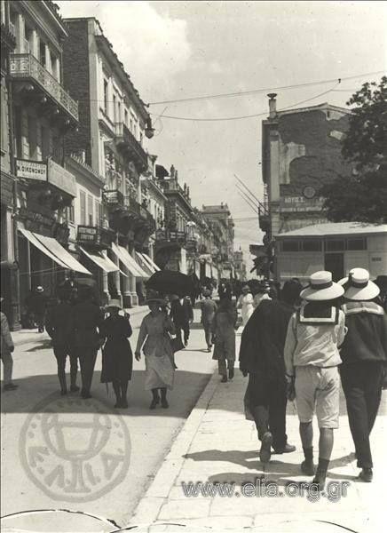 1919 ~ Aeolou street, Athens (photo: Frederic Boissonnas) #solebike #Athens #e-bike
