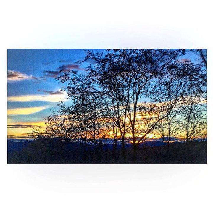 by http://ift.tt/1OJSkeg - Sardegna turismo by italylandscape.com #traveloffers #holiday   Attimi di pace  #tramonto #cielo #febbraio #sole #colori #tempo #atmosfera #natura #sardegna #lanuovasardegna #igersardegna #italy #sky #sunset #colorful #goodday #picbyme #nature #iphonography Foto presente anche su http://ift.tt/1tOf9XD   February 16 2016 at 06:02PM (ph rovherta )   #traveloffers #holiday   INSERISCI ANCHE TU offerte di turismo in Sardegna http://ift.tt/23nmf3B -