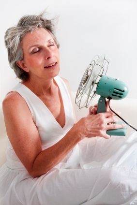 With hot flashes often comes thinning hair and hair loss. Women in their late 30s to early 40s can easily fight the problems of perimenopausal hair loss with these tips
