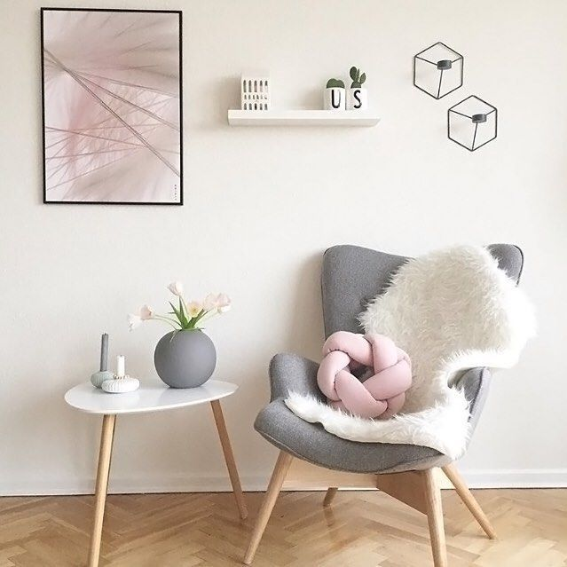 How gorgeous is the living room of @mrscarlissa We've just received these beautiful large Cooee Ball vases in grey, available online now . #cooee #livingroom #livingroomdecor #nordichome #nordicinspiration