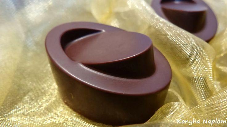 Konyha Naplóm: Bonbon  (étcsokoládéban étcsokoládé)