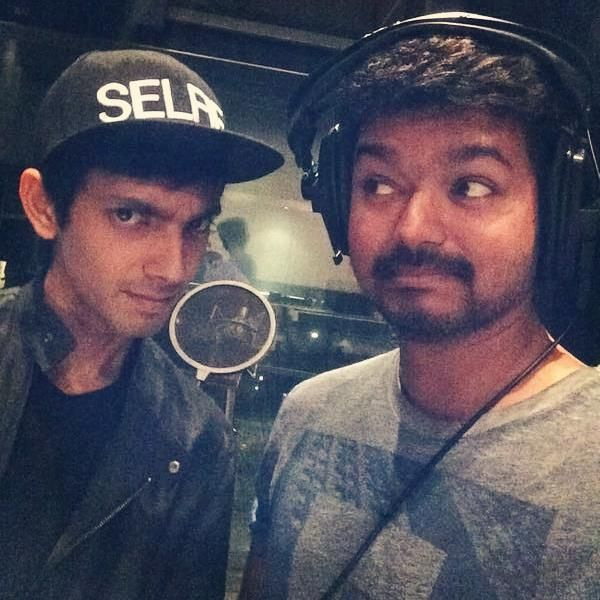Vijay sings in Kaththi  Actor Vijay has recorded in his voice a song in his forthcoming film Kaththi More Read - http://www.kalakkalcinema.com/tamil_news_detail.php?id=7713&title=Vijay_sings_in_Kaththi
