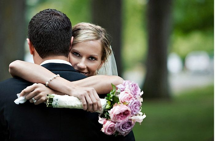 great pose.: Couple Poses, Tall Bride, Photography Wedding, Wedding Ideas, Posing Ideas, Wedding Photography Poses, Future Wedding, Pose Ideas