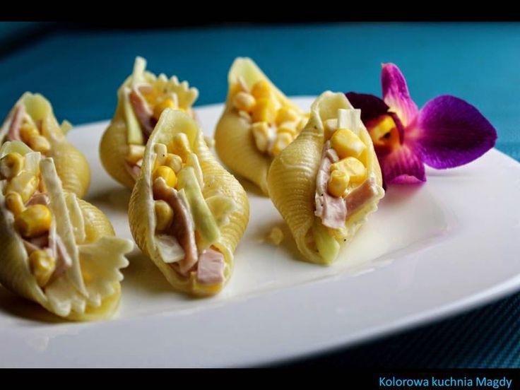 Kolorowa Kuchnia Magdy: Sałatka makaronowa z szynką, kukurydzą i porem