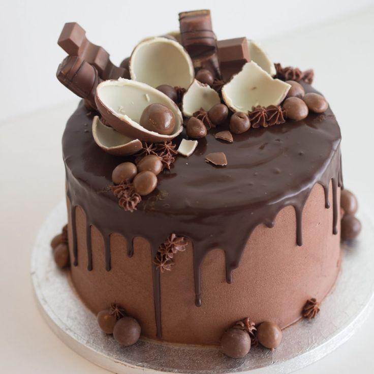 Kinder valukakku eli drip cake lähti suklaaholistin syntymäpäiväkakuksi. Blogissa ohje ja vinkit miten onnistut suklaaganchessa.