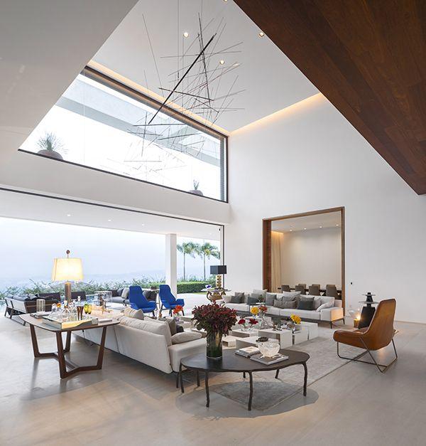 decoracao-casa-moderna-com-pe-direito-duplo-fernanda-marques-9