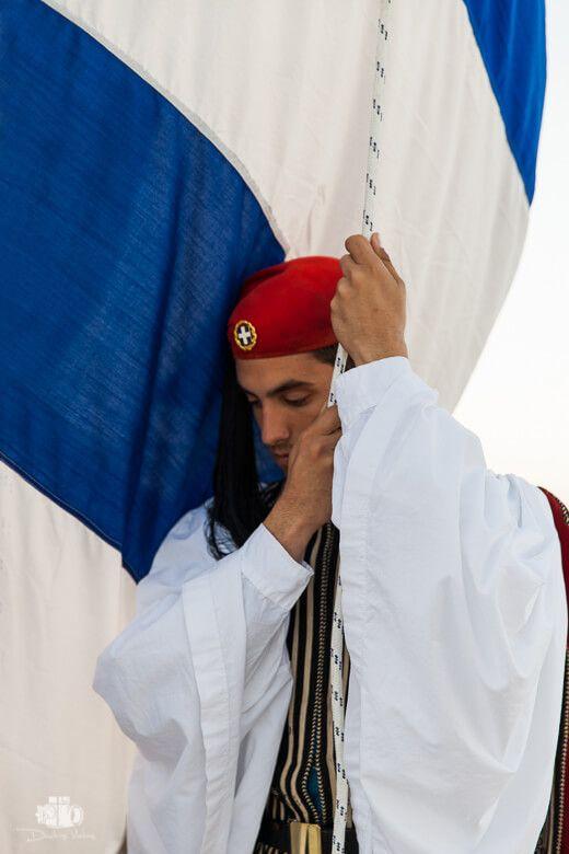 Evzones_Greek_Presidential_Guard_Dimitris_Vlaikos