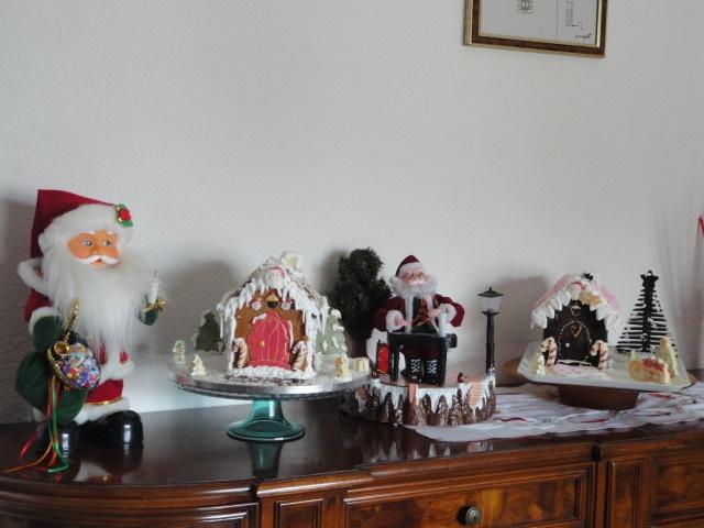 Casetta di cioccolato e di pandi zenzero e cioccolato