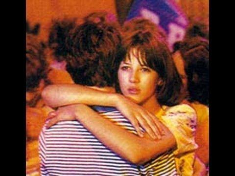 1980年のフランス青春映画「ラ・ブーム」の主題歌。リチャード・サンダーソンが、甘い歌声で優しく語りかけるように歌います。 『ラ・ブーム』(La Boum)は、1980年に公開されたクロード・ピノトー監督によるフランス映画である。当時13歳で700人の中から選ばれたソフィー・マルソーのデビュー作であり、フランスで...