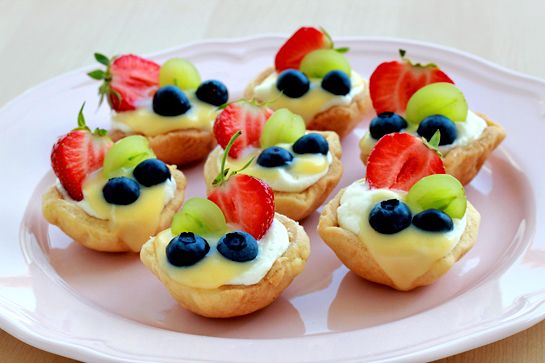Summer Mini Fruit Tarts, from Zoom Yummy.  To be made!  Could probably make this gluten- and dairy-free with the introduction of almond flour, coconut whipped cream, and maybe a lemon custard.  Mmm.