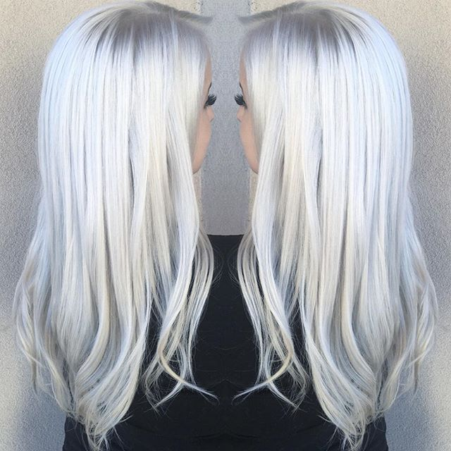 ❄️ ICY BLONDE❄️ I'm completely obsessed with this gorgeous Elsa blonde! It's so white it's glowing  FORMULA: