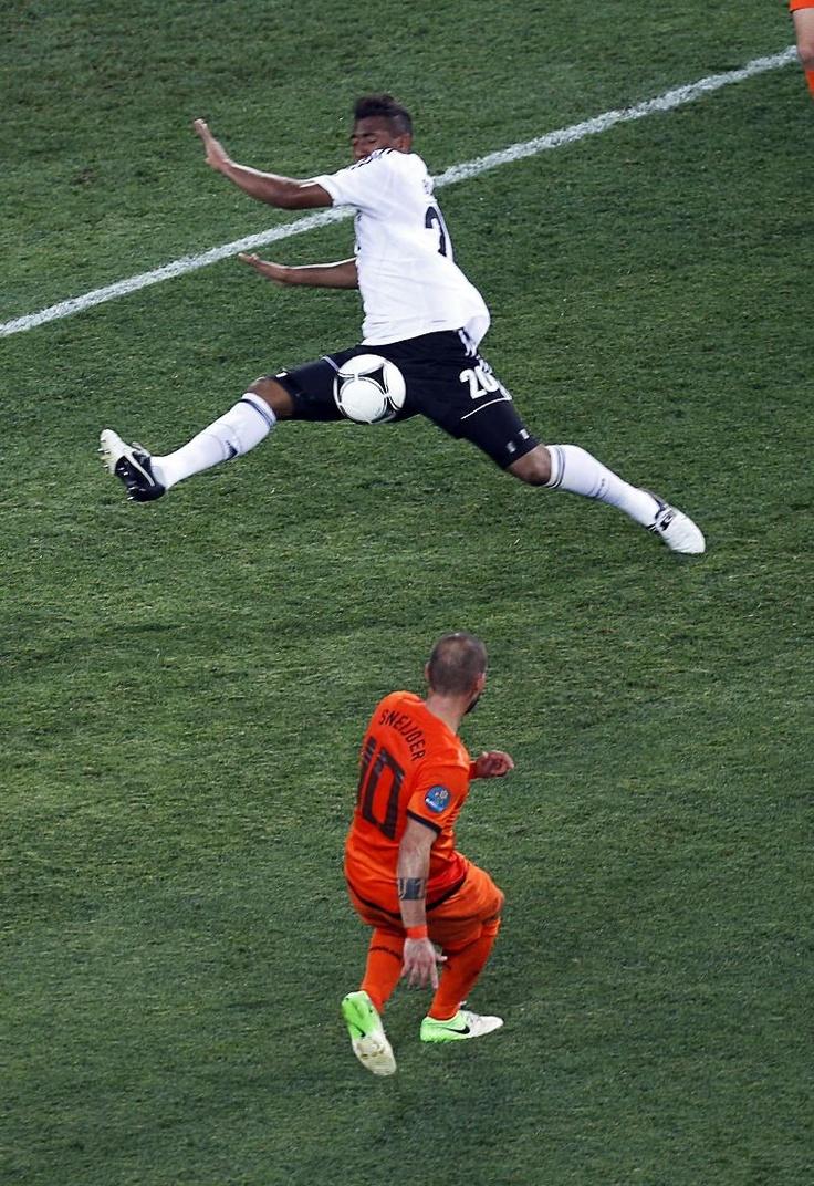 Jerome Boateng, Wesley Sneijder // Euro 2012