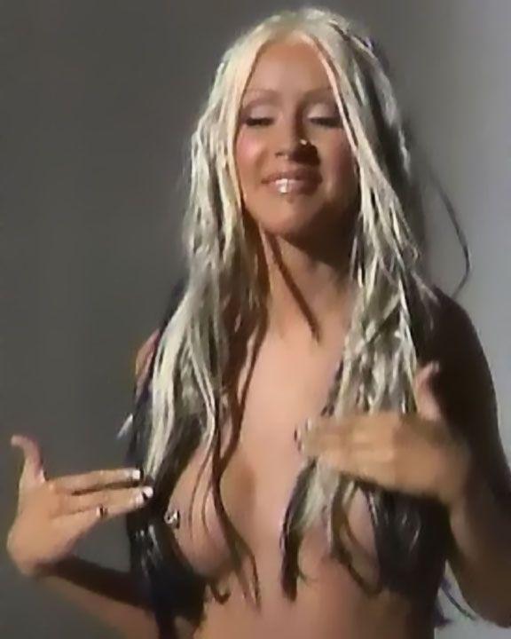 Christina aguilerra naked