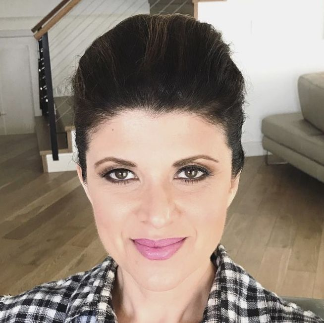 Here is my client Mariam. I do her hair and makeup when she has a special event to attend. This is from yesterday afternoon.Doesn't she look stunning? #airbrushmakeup #smokeyeyes #temptupro #smashboxgoldenhourpalette #anastasiarenaissancepalette #kenraprofessional #sleekupdo #classicupdo #lisaleming #ocbridalhairmu