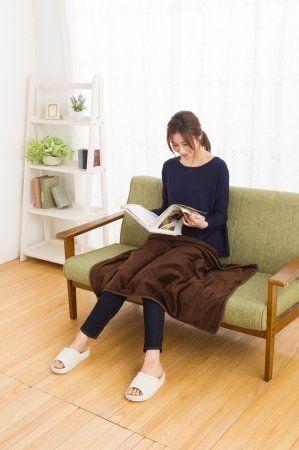 冬の寒さ対策に!ポッカポカの電気ひざ掛け毛布が大人気! | 旬 ... USB ストール&ブランケット 毛布 [USB接続で発熱し暖かいひざ掛け/肩掛けブランケット