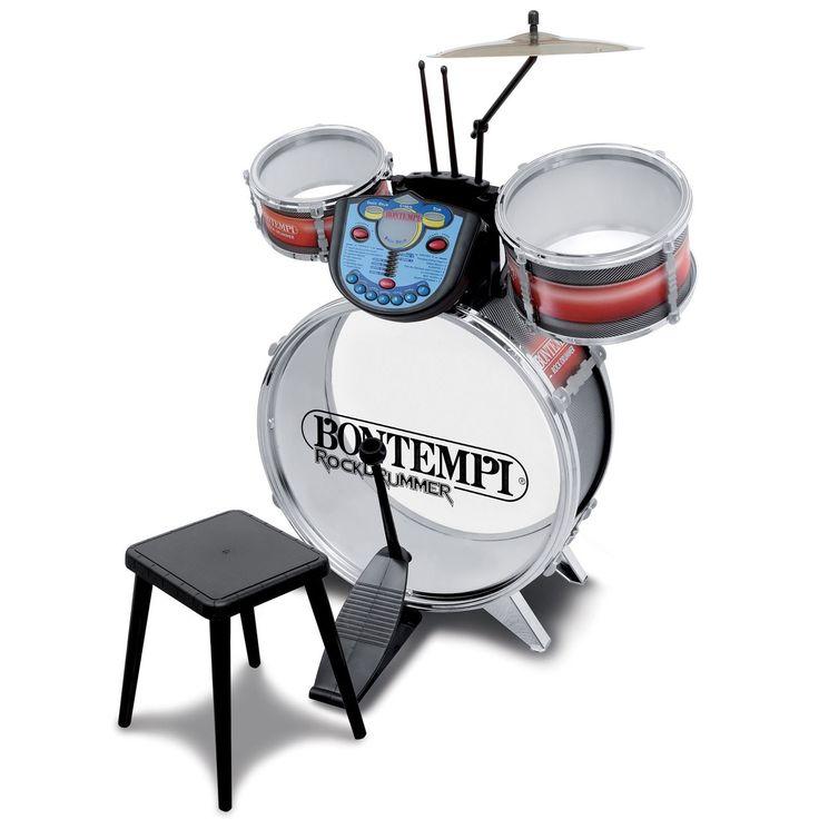 Speel de sterren van de hemel op dit elektronische drumstel van Bontempi. Deze complete set bevat een basedrum, een tom, een snaredrum en een kruk. Sla met de stokken op de drums en maak je eigen ritmes. De 7 ingebouwde ritmes, 14 melodieën en speciale licht- en geluidseffecten maak je de show compleet. De set is gemaakt van stevig kunststof en telt 4 leerniveaus. Spelen met de drumset stimuleert de ontwikkeling van hand-oogcoördinatie en ritmegevoel. Batterijen niet inbegrepen. Afmeting: 50…