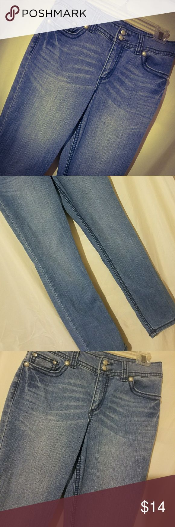 Code Blue Women's Jeans Sz 6/27 Code Blue Women's Blue Jeans 6/27. Has embroidered angel wings with rhinestones on back pockets. Code Blue Jeans Straight Leg