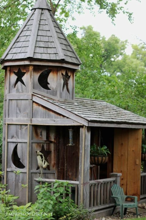 How about a Harry Potter shed? If you're thinking of building a garden shed, renovating one you have, or simply love tiny buildings, this gallery is for you. There's so many choices for layout, design, windows, doors, and basic building materials.