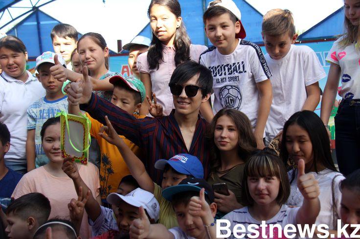«Какие красивые дети!». Вот так Димаш Кудайберген отозвался о детках из SOS детские деревни в Астане. Молодой, но уже всемирно известный казахстанский... ____________________________#DïmaşQudaybergen #DimashKudaibergen #Dimash #Dears #DQ https://www.pinterest.com/daididau/dimash-kudaibergen/
