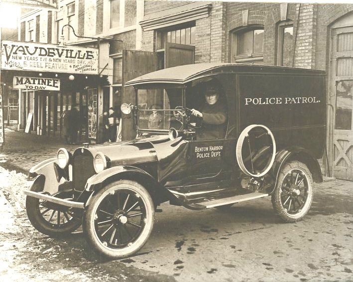 Cops 1920 | Vintage Police Vehicle 1920 Cop Car Benton Harbor MI